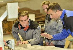 Group%20of%20students%20in%20woodwork%20