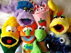 5000 Puppets