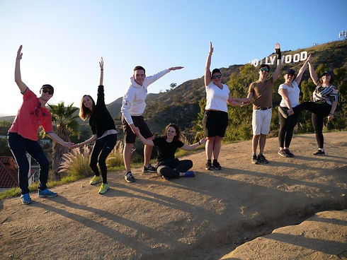 Ucha members in front of the hollywood sign - Photo: Antoine Seegmuller