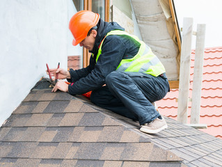 Hiring A Roofing Contractor? Avoid These 3 Missteps!