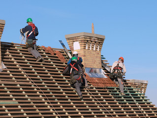 3 Surefire Signs Your Home Needs a New Roof