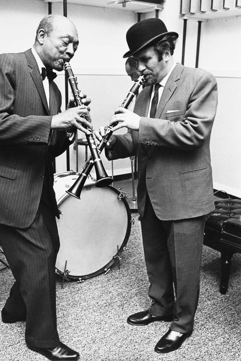Photo: Vernon L. Smith.  Scope Associates, New York,  1980.