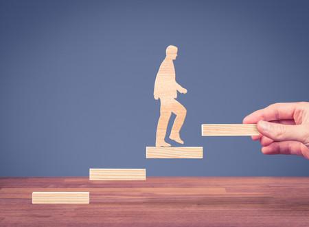 Dispositifs d'entreprises pour accompagner les salariés en France : Transition emploi - retraite