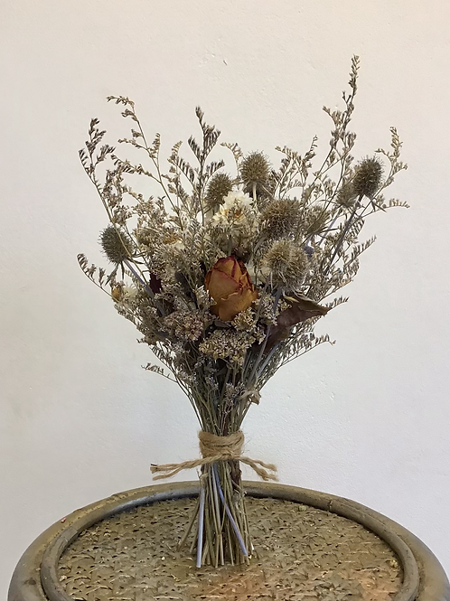 Small dried flower posy