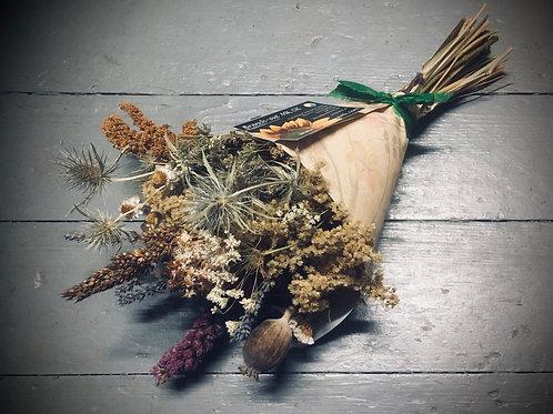 Dried flower cornet posy