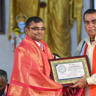 felicitation of Devender Kawday.jpg