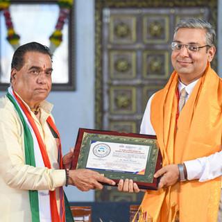 felicitation of Dr. Manoj Matnani.jpg