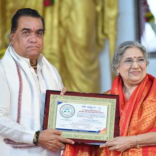 felicitation of H.H. Smt. Hansaji Yogend
