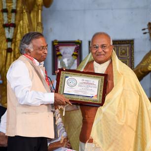 felicitation of Dr. Ved Pratap Vaidik.jp