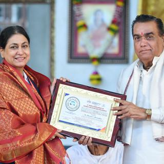 felicitationof Dr. Meeran Borwankar.jpg