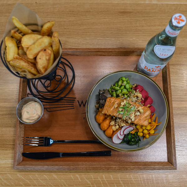 Refuel Bowl with Salmon & Potato Wedges