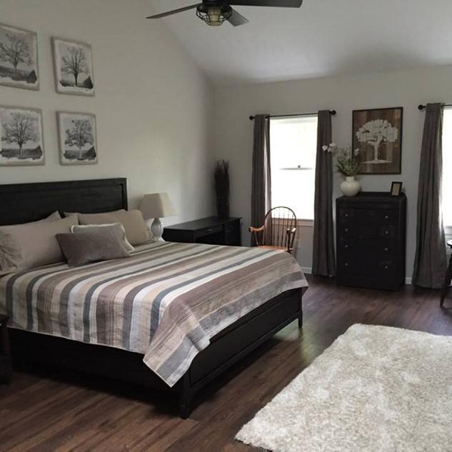 Tree Room (Honeymoon Suite)