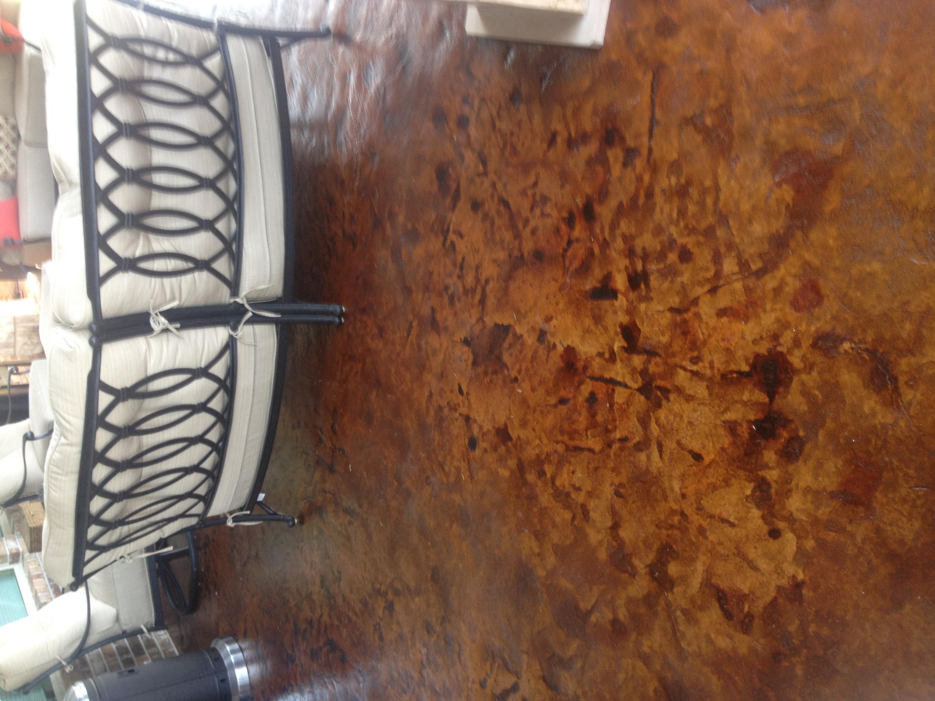 Residential outdoor kitchen floor