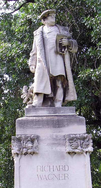 Wagner Statue in Edgewater Park