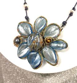 花のネックレス&ブローチ