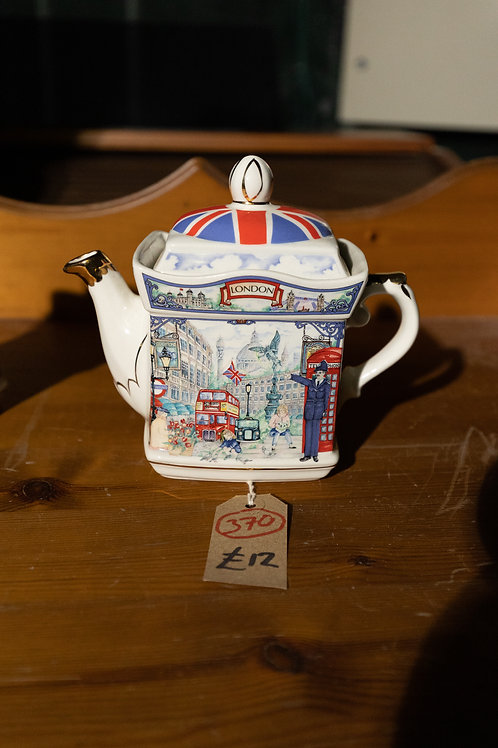 """370. """"London"""" Collectable Tea Pot."""