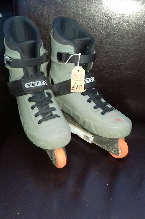 901. Roller Blades, size 11. Male