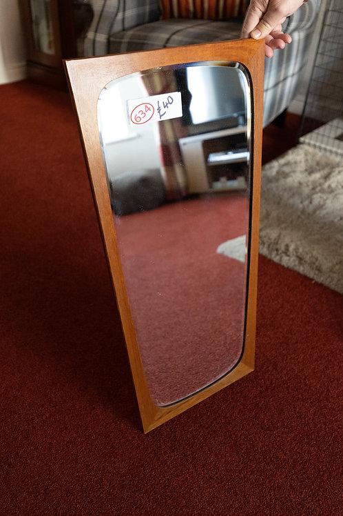 634. Retro Mirror.