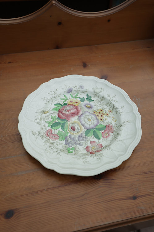 "530. Royal Doulton ""Malvern"" Collectable Plate."