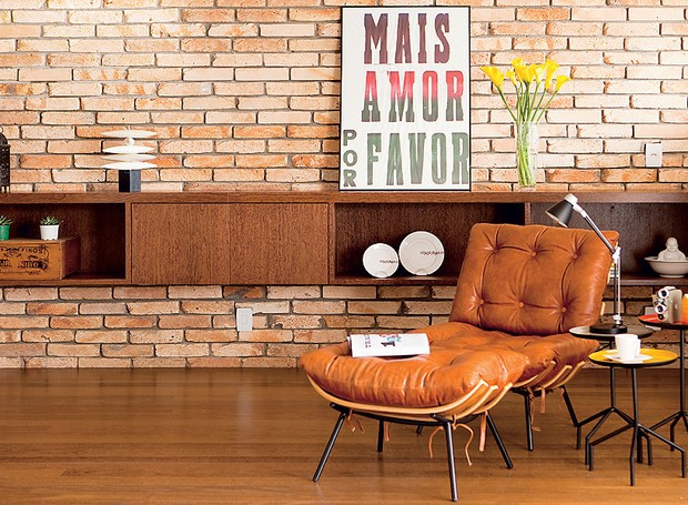 tijolos-de-demolicao-sala-poltrona-arquiteta-nicole-finkel
