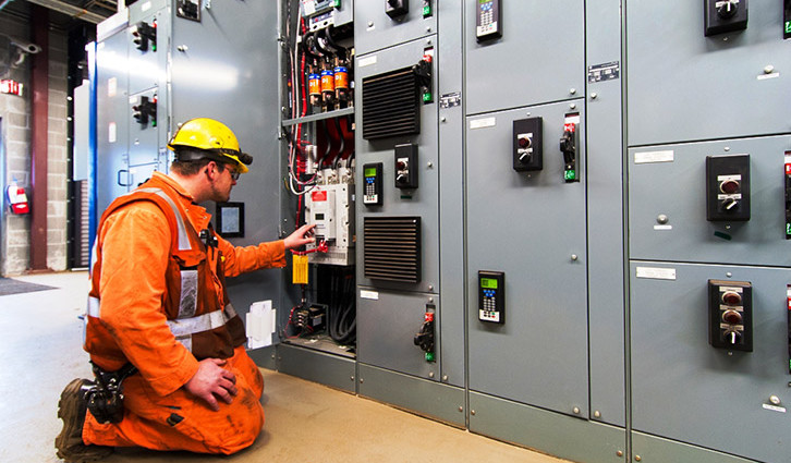 INDUSTRIAL-ELECTRICIAN-Picture1_01-02[1]