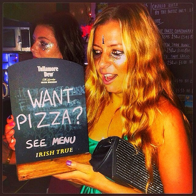 #tbt to the best day ever - my birthday + pizza + glitter winning combo 👯😍🍕🍕🍕 #makeup #festival