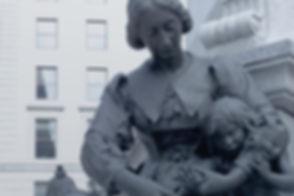 Jeanne Mance, figure du Monument à Maisonneuve