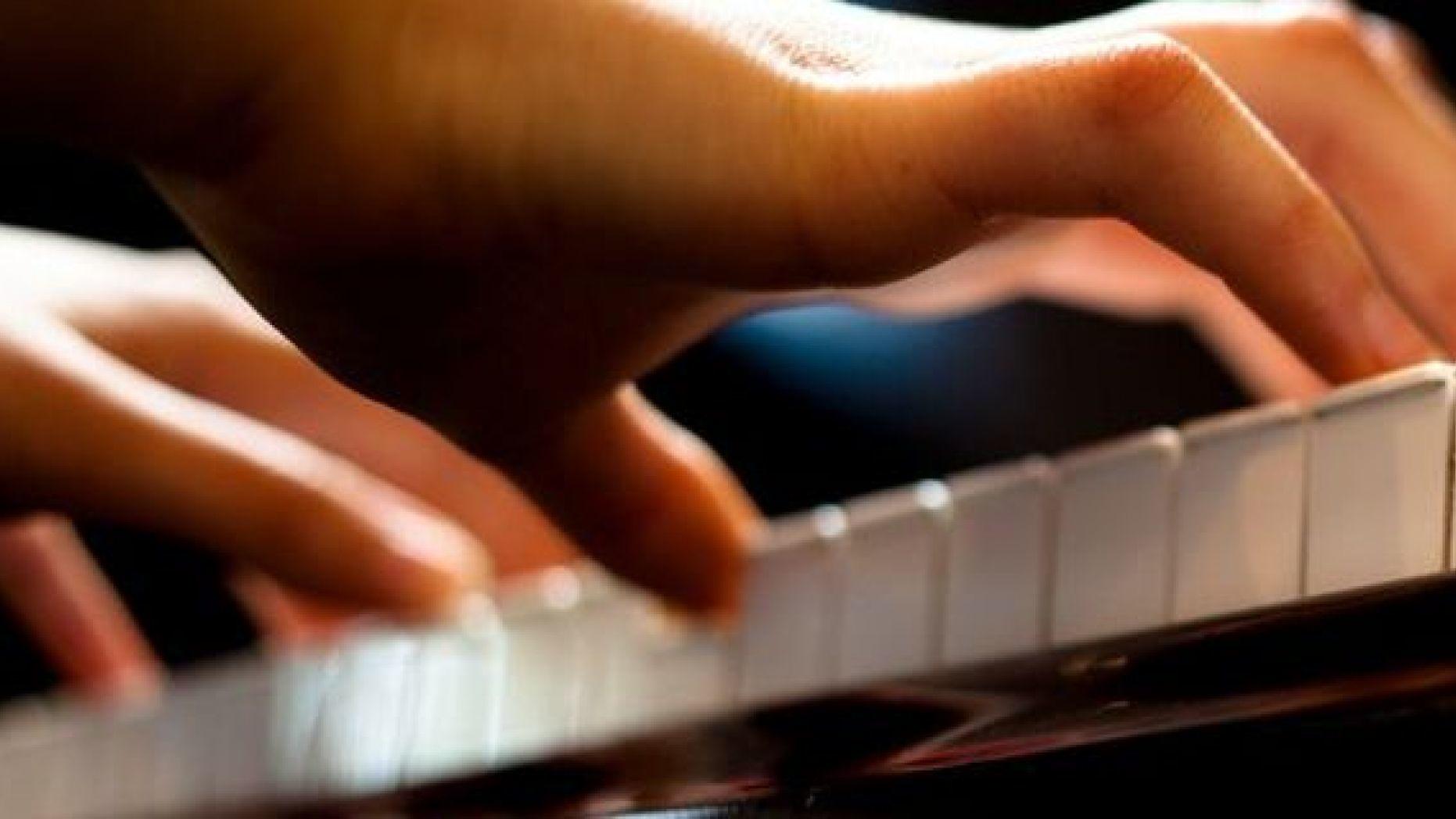 50f79d3b-640_Playing_Piano
