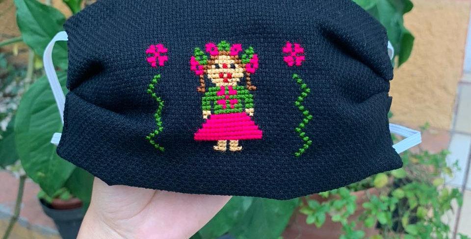 Cubrebocas Juanita rosa