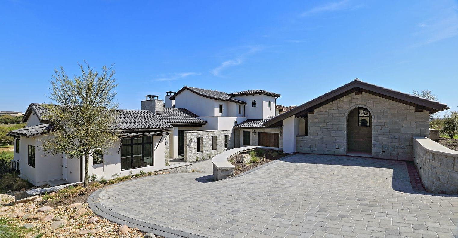 Spanish-Oaks-Club-contemporary-home-spanish-architecture.jpg