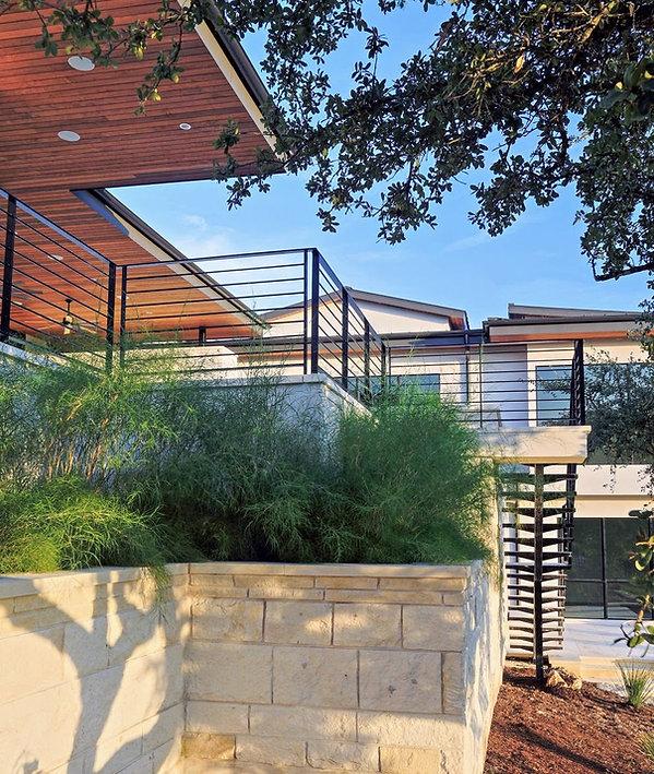 austin-modern-house-back-limestone
