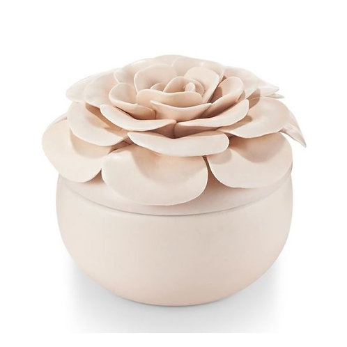 amuse l Shoppeamuse l Illume Ceramic Flower Candle Coconut Milk Mango