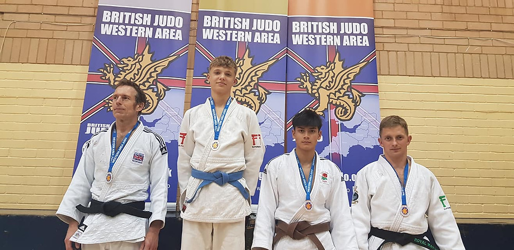Rob picks up a very well earned bronze medal