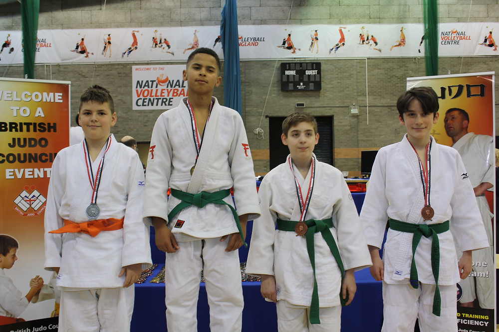 Bogdan gets Silver in a sea of green