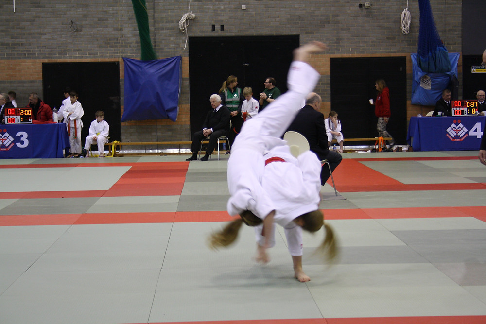 Maria launching her opponent