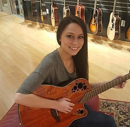 guitar lessons near me, music school war