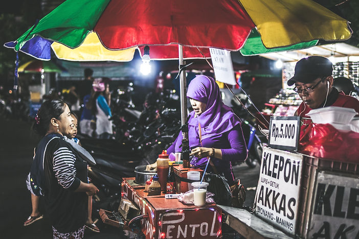 Woman selling food Indonesia.jpg