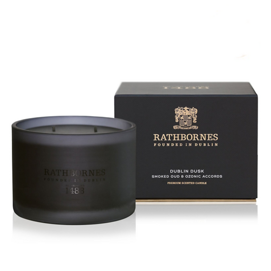 Smoked Oud & Ozone Accords Scented Classic Candle