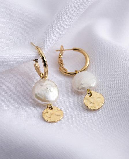 Venus Earrings with Pearl