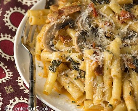 FAMILY SIZE Chicken Alfredo pasta, Bacon & mushroom - 1.2kg - Ed's Eezi Meals