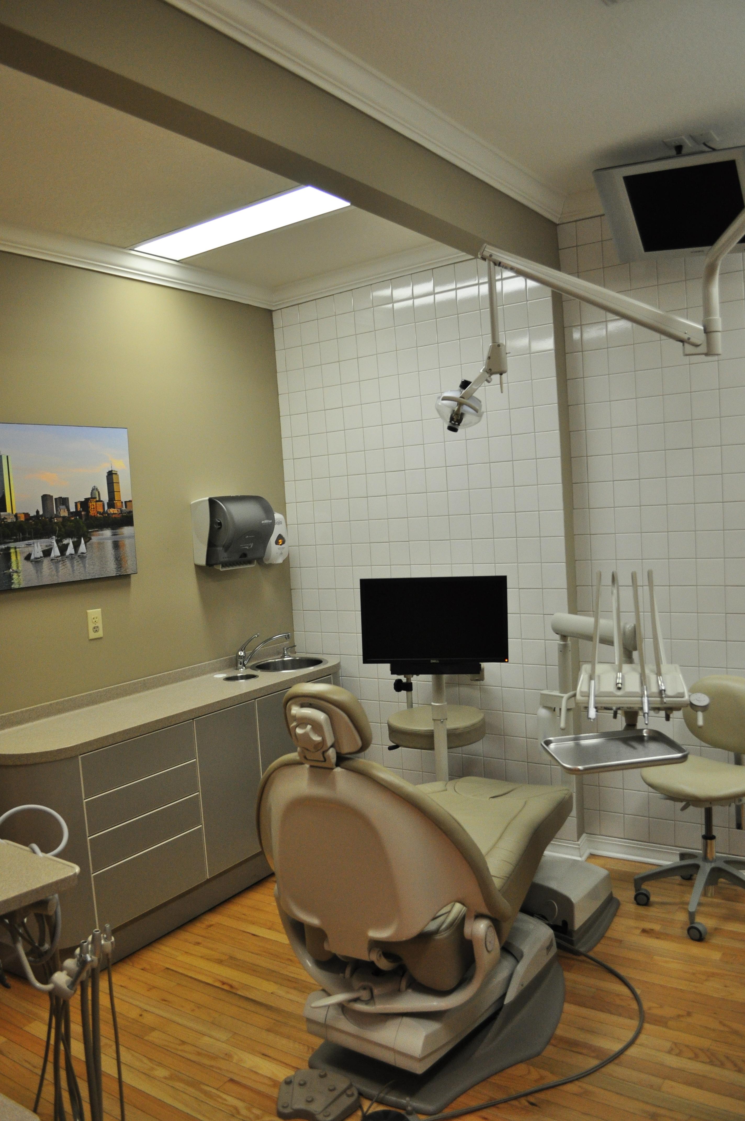Oceanside Endodontics treatment room
