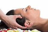 masaje-de-la-cabeza-tratamientos-corpora