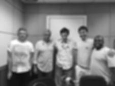 """Participação no programa de rádio """"Quem Toca"""", apresentado por Leandro Braga na rádio Roquette PintoParticipação no programa de rádio """"Quem Toca"""", apresentado por Leandro Braga na rádio Roquette Pinto"""