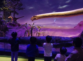 Yurarikko went on a field trip to an awesome DINOSAUR MUSEUM! 恐竜博物館に遠足だ!