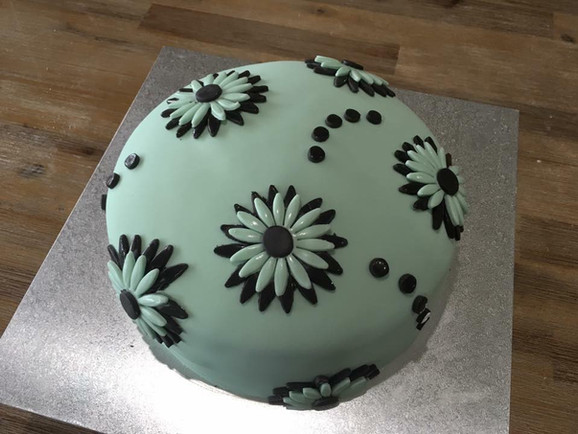 beauty cake1.jpg