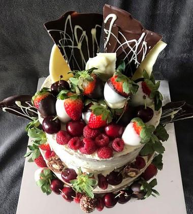 strawb cake_edited.jpg