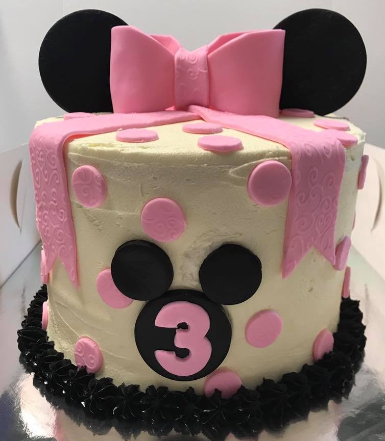 minnie mouse cake_edited