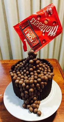malteasers cake.jpg