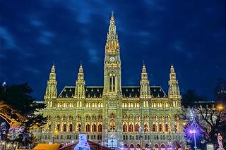 Wien_Rathaus_edited_edited.jpg