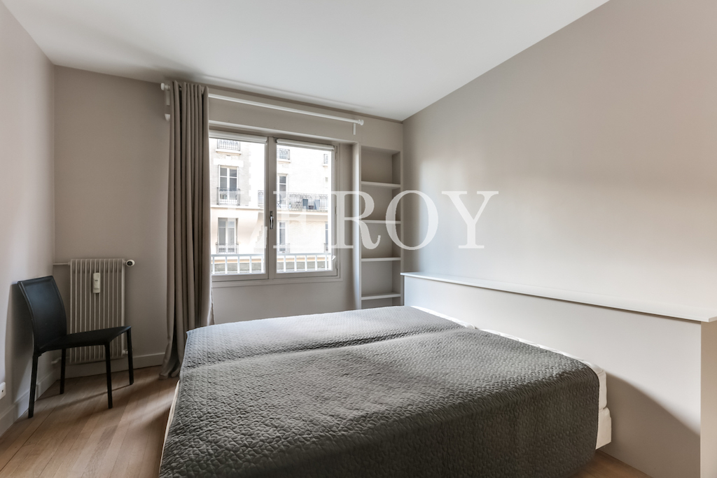 Agence-Leroy-Vente-2-pièces-Vaneau-75007-Parisphoto-5655-008